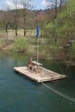 Zattera vicino a Planina, Slovenia del fiume Fotografia Stock