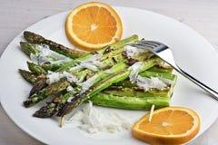 Zattere arrostite dell'asparago dell'aglio e del sesamo Fotografia Stock