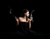Zauberfrauen mit Champagner Lizenzfreie Stockfotografie