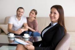 Zaufany fachowy żeński psycholog, advisor lub szczęśliwy yo Obrazy Royalty Free