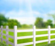 Zaun And Blur Nature des Hintergrundes Lizenzfreie Stockbilder