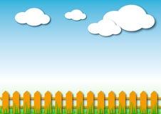 Zaun, Gras, Wolken, Himmel Stockfoto