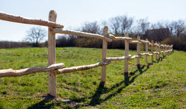 Zaun im Dorf Stockfoto