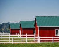 Zaun und Stall Lizenzfreie Stockbilder