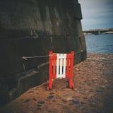Zaun und Wand lizenzfreie stockfotos