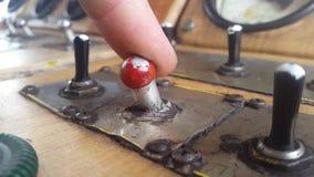 Zawiera starą toggle zmianę na pulpicie operatora zbiory