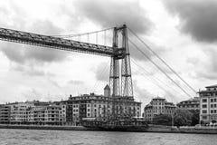 Zawieszenie most bizkaia puente de Vizcaya między Getxo i Portugalete nad ria de Bilbao, czarny i biały zdjęcie stock