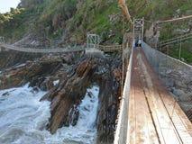 Zawieszenie most, burzy ` s rzeka, Tsitsikamma, Południowa Afryka zdjęcie stock