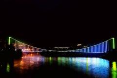 Zawieszenie most na Mgłowy Bajkowym Dongjiang rzeka zdjęcie royalty free