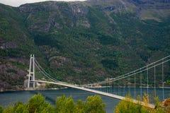 Zawieszenie most przy Norwegia zdjęcia stock