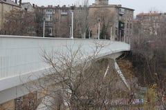 Zawieszenie most w mieście fotografia stock