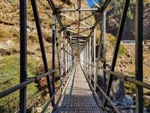 Zawieszenie most w Nepal zdjęcia stock