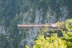 Zawieszenie most w Okatse jarze, Gruzja Fotografia Royalty Free