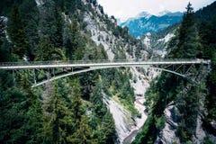 Zawieszenie most w Szwajcaria zdjęcie stock