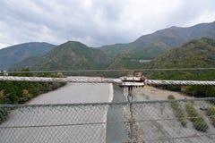 Zawieszenie mosta widok i kable zdjęcia stock
