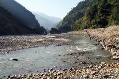 Zawieszenie rzeka i most zdjęcie royalty free