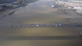 Zawieszenie rzeki i mosta widok z lotu ptaka zbiory