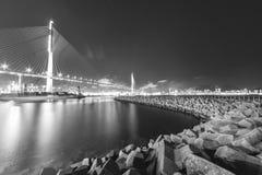 Zawieszenie tama i most zdjęcie stock