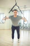 Zawieszenie troczy szkolenie w nowożytnej sprawności fizycznej łatwości obrazy stock