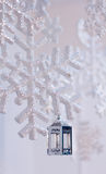 Zawieszony śnieżny płatków bożych narodzeń wystrój Obrazy Stock