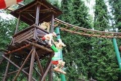 Zawieszony rzymski przestraszony z gauls nad lale od Epidemais Croisiere przyciągania przy Parkowym Asterix, ile de france, Franc Obrazy Royalty Free