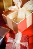 zawijający prezentów faborki zdjęcie stock