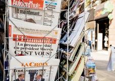 Zawody międzynarodowi prasowe reakcje po wyborów Macron jako F Zdjęcie Royalty Free