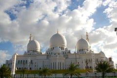 zayed Abu Dhabi storslagen moské Royaltyfri Bild