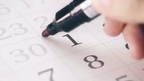 Zaznaczał pierwszy 1 dzień miesiąc w kalendarzowych transformatach w ostatecznego terminu tekst zbiory wideo