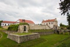 Zbarazh,乌克兰- 2017年7月06日:对堡垒的主要看法在Zbarazh,捷尔诺波尔地区,西部乌克兰(城堡全景) 免版税库存图片