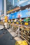 Zbawcze bariery instalować along dla ścigać się Macau G Zdjęcie Stock