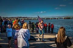 Zbierać dla skok do wody przy rzeką Obrazy Royalty Free