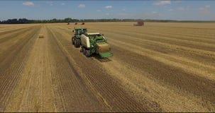 Zbierać pszeniczny Poltava, Ukraina 2 zbiory