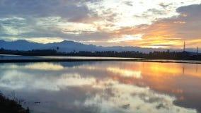 Zbiera wschód słońca Fotografia Royalty Free