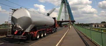 Zbiornik ciężarówka obrazy stock