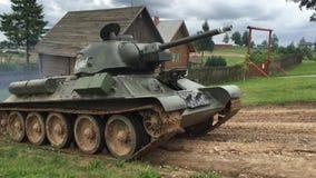Zbiornik T-34 w ruchu zbiory wideo