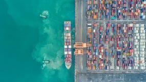 Zbiornika statek w biznesie i logistykach eksportowym i importowym Statek zdjęcie stock