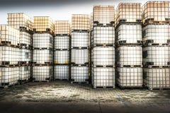 Zbiorniki dla chemicznych produktów obrazy royalty free
