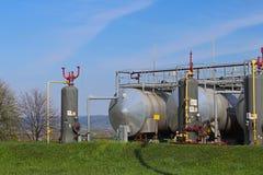 Zbiorniki - elementy nafciana stacja pomp Tansport i dystrybucja olej Technologia nafciany system transportu Stażowy manuał f Zdjęcia Royalty Free