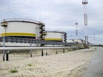 Zbiorniki z olejem posiadali kompani paliwowej Rosneft Zdjęcie Stock