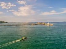 Zbiornikowiec do ropy, benzynowy tankowiec w wysokim morzu Rafineria przemysłu ładunku statek, widok z lotu ptaka, Tajlandia, w i obrazy stock