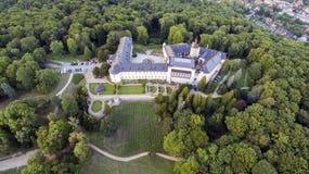 Zbiroh -城堡空中寄生虫地平线视图  库存照片