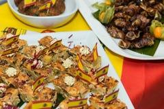 Zbliżenie typowy hiszpański Pincho De Tortilla, hiszpański omelete słuzyć na chlebie Hiszpańskich tapas nazwani pintxos bask obrazy royalty free