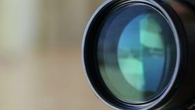 Zbliżać obiektyw gdy strzelający z kamerą zdjęcie wideo