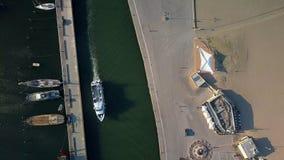 Zbliża się prędkości łódź w Rimini Włochy zbiory