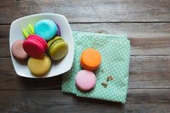 Zbliżeń kolorowi macarons Zdjęcia Stock