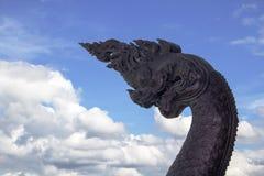 Zbliżenia królewiątko Nagas statua Zdjęcia Stock