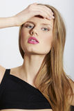 Zbliżenia mody piękna portret z czerwonymi wargami Obrazy Royalty Free