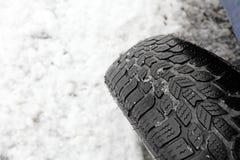 Zbliżenie śnieżna opona Obrazy Royalty Free