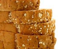 Zbliżenie Świeży pokrojony wholewheat chleb z różnorodnymi ziarnami Zdjęcia Stock